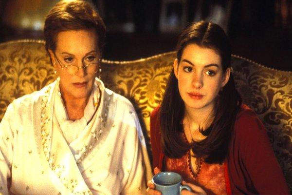 Princesse malgré elle : une grand-mère, reine qui plus est, bienveillante, patiente et très compréhensive surtout 🙂